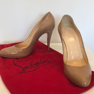 Christian Louboutin Nude Patent Leather Pump 👠